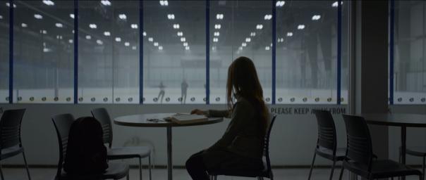 Кадры из фильма Тёмное зеркало (Look Away)