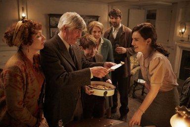 Кадры из фильма Клуб любителей книг и пирогов из картофельных очистков